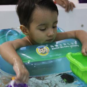 专业幼儿游泳培训(0-6岁)