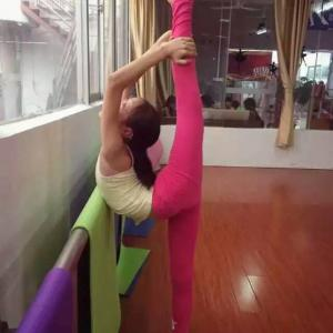 舞蹈软度开发班(4-7岁)