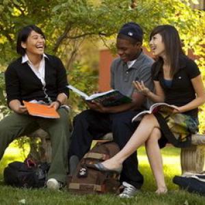 北美-美国一站式留学 (预约)