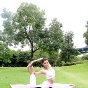 瑜伽专业系统班(9以上)