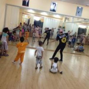 古典舞身韵教学(3-12岁)