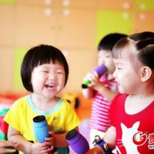 红黄蓝—亲子课程(0-2岁)